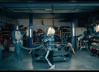 Έφτιαχναν ρέπλικα και πήραν δώρο κανονική Lamborghini! (+video)