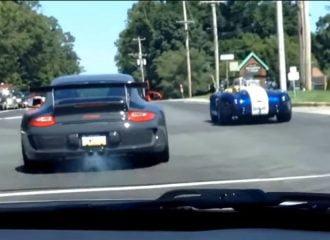 Έκαψε τον συμπλέκτη της Porsche σε κόντρα (+video)