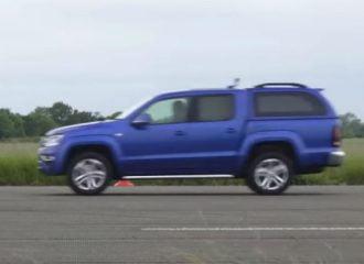 Το VW Amarok ισοπεδώνει τον ανταγωνισμό (+video)