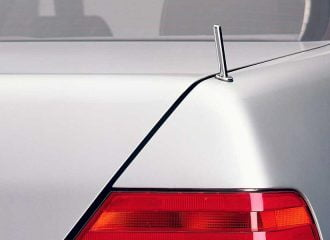 Γιατί είχε δύο πίσω κεραίες η Mercedes S-Class;