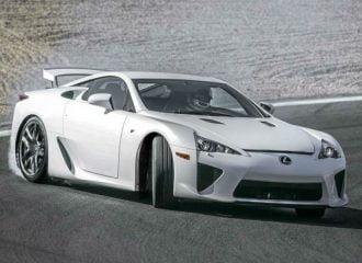 Η Lexus πούλησε 3 ολοκαίνουργια LFA πέρσι!