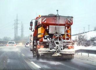 Κονιάκ στους χιονισμένους δρόμους αντί αλάτι!