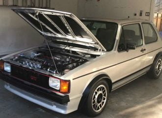 Έριξε 130.000 ευρώ σε VW Golf GTI MK1! (+video)