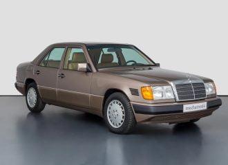 Ξεχασμένη Mercedes E 300D του 1991 με 378 χλμ.!