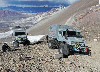 Mercedes Unimog «σκαρφαλώνει» στα 6.694 μέτρα!