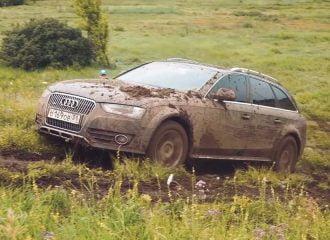 Audi A4 allroad ξεμπαζώνει στις λάσπες (+video)