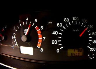 Η πιο αργή επιτάχυνση με Lada Niva (+video)