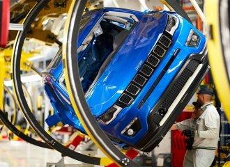 Ο κορωνοϊός κλείνει τα εργοστάσια των FCA & Ford