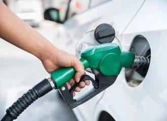 Δώρο άδωρο η πτώση της τιμής των καυσίμων