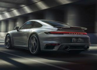 «Τρένο» 650 ίππων η νέα Porsche 911 Turbo S (+video)