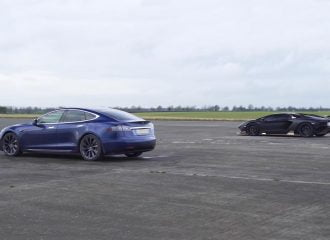 Είναι ταχύτερη η Aventador από Tesla; (+video)