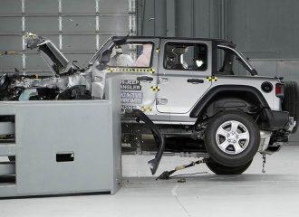 Ανατράπηκε το Jeep Wrangler σε crash test (+video)