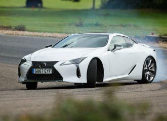 Toyota: «Η Lexus χρειάζεται πολλές αλλαγές»