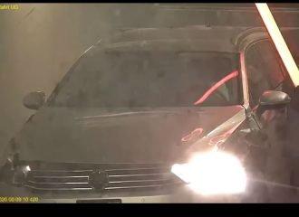 Έκανε το VW Passat του μπαλάκι «φλίπερ»(+video)
