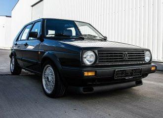 Γιατί αυτό το VW Golf πωλείται 99.999 ευρώ;