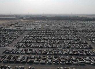 Η μεγαλύτερη μάντρα παρατημένων supercars (+video)