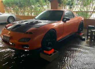 Ήρωας έσωσε ξένο Mazda RX-7 από πλημμύρα!