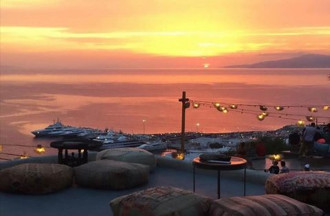 The Fabulous 180° Sunset Bar in the Stunning Mykonos