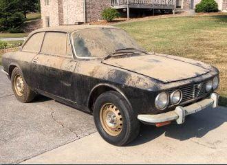 Βρέθηκε ξεχασμένη Alfa Romeo 2000 GTV του 1972