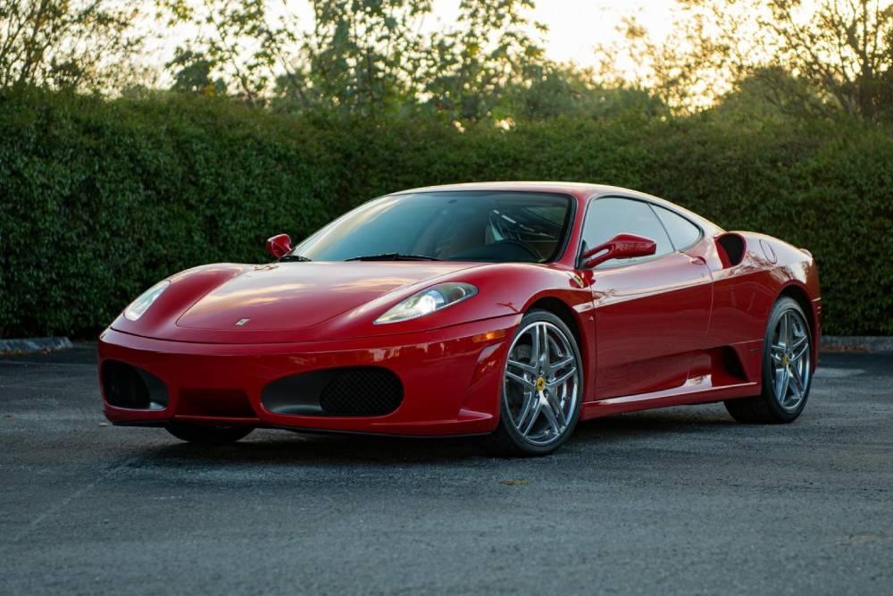 Σπάνια χειροκίνητη Ferrari F430 αναζητά «καρφωτές»