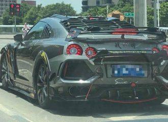 Καρναβάλι Nissan GT-R θέλει να γίνει Civic Type R
