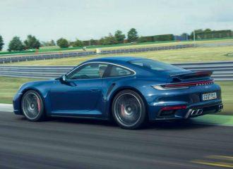 Νέα και πιο «γήινη» Porsche 911 Turbo