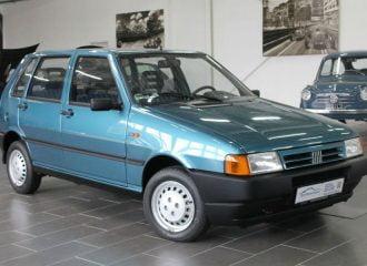 Fiat Uno του 1996 με μόλις 901 χλμ. και τις ζελατίνες!
