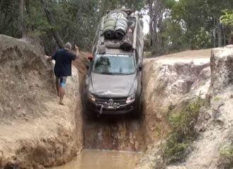 VW Amarok κατεβαίνει σχεδόν κάθετα! (+video)