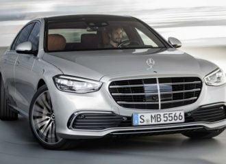 Πώς η νέα Mercedes S-Class «μικραίνει» εν κινήσει