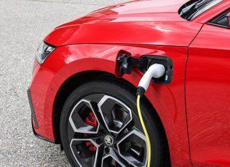 Συνέντευξη: Ηλεκτρικά οχήματα και ψηφιοποίηση