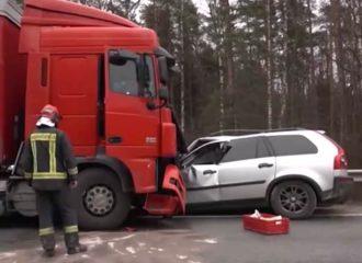 Παλιό Volvo XC90 έσωσε από θάνατο (+video)