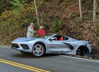 Mazda MX-5 έβγαλε «νοκ άουτ» Corvette