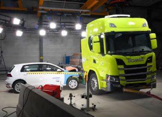 Το εντυπωσιακό crash test της Scania (+video)