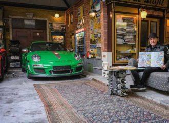 80χρονος αγόρασε την 80η του Porsche!