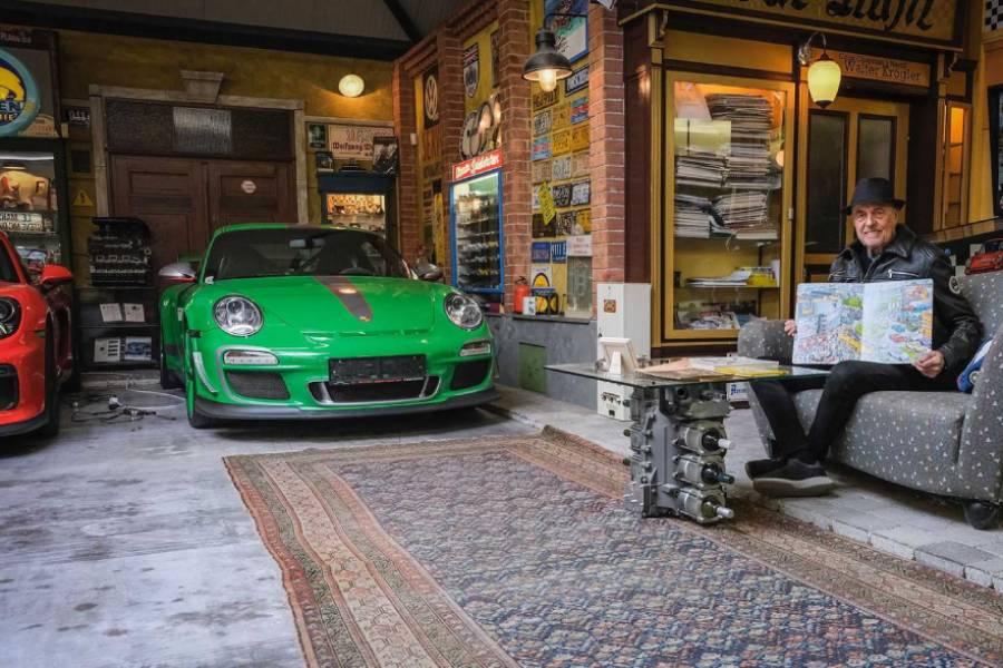 Ο 80χρονος αγόρασε μια Porsche 80!