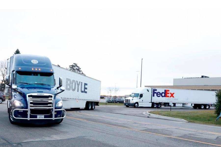Ποια είναι τα φορτηγά που μεταφέρουν τα εμβόλια;