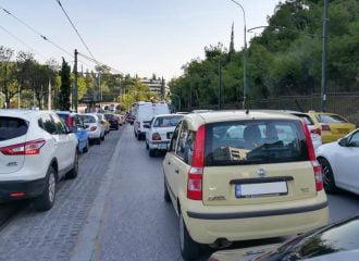 Πόσα αυτοκίνητα κυκλοφορούν στην Ελλάδα από το 1985;