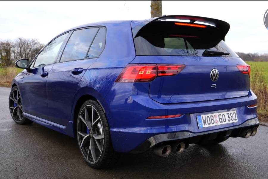 «Πιστολιές» με το νέο VW Golf R (+video)