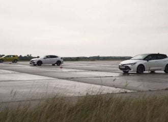 Το Golf ισοπεδώνει τα Civic και Corolla (+video)