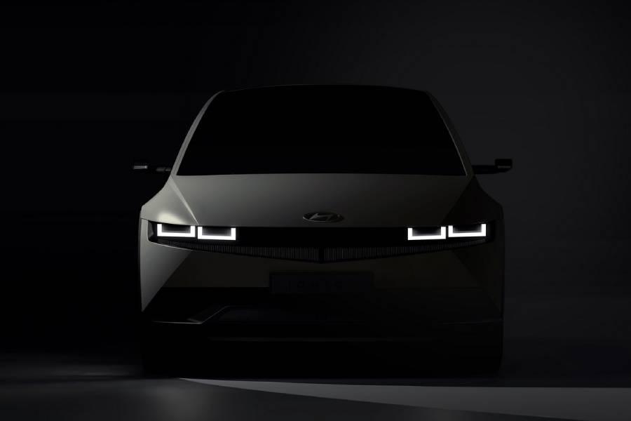 Το Hyundai IONIQ 5 δείχνει το πρόσωπό του (+video)