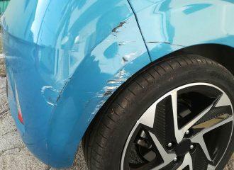 Ασυνείδητοι χτυπάνε αυτοκίνητα και φεύγουν