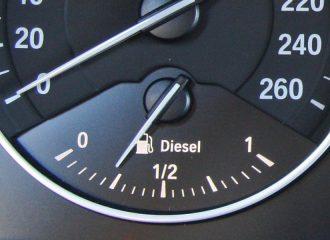 Τα diesel πληρώνουν για την ηλεκτροκίνηση