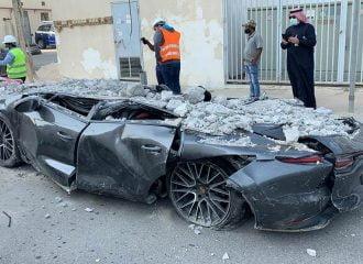 Parking κατέρρευσε και ισοπέδωσε δεκάδες αυτοκίνητα