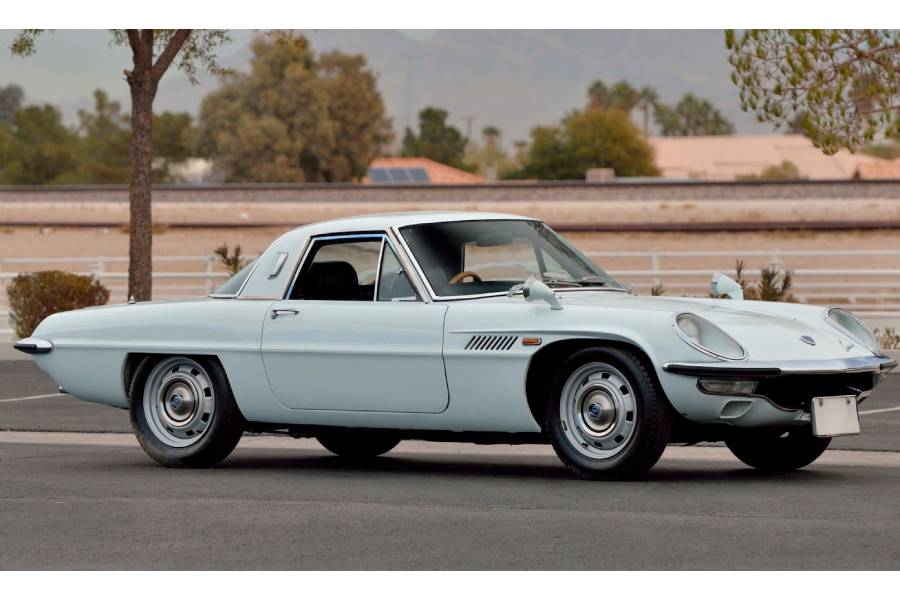Vintage περιστροφές με Mazda Cosmo μισού αιώνα