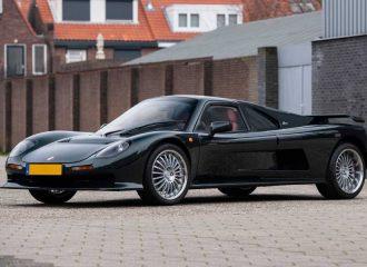 Πωλείται σπανιότατο supercar με V8 της BMW