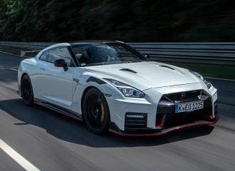 Πως στρώνεται ένα καινούργιο Nissan GT-R;