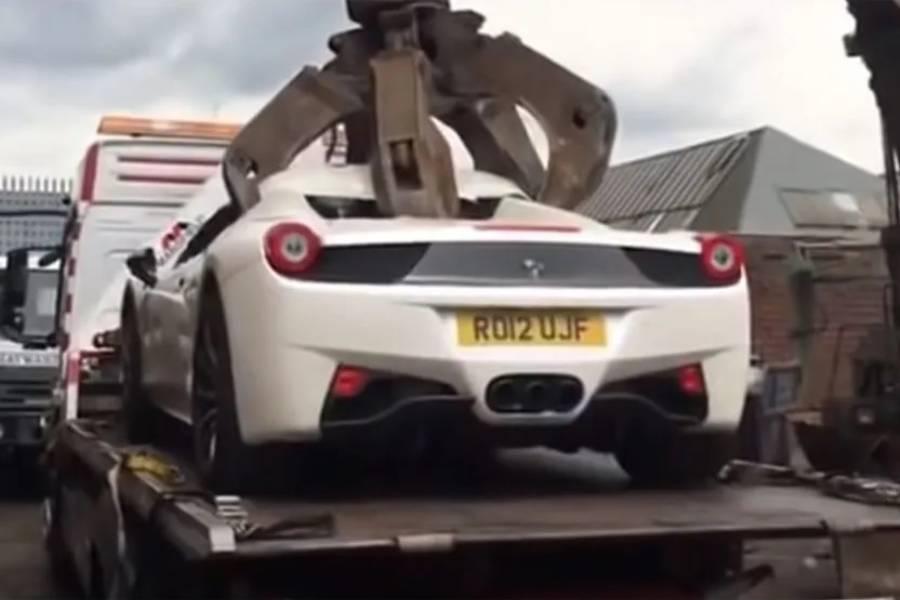 Καταδικασμένος μήνυσε την αστυνομία για τη Ferrari του