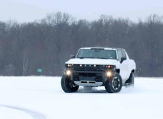 Το νέο Hummer σκάβει στο χιόνι (+video)