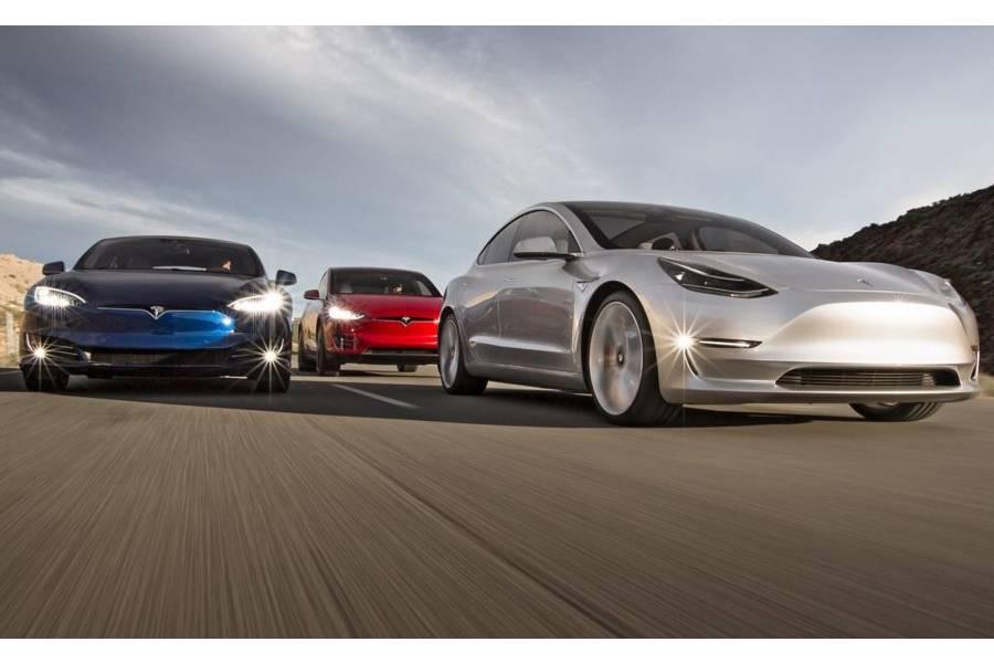 Πώς ο ανταγωνισμός «χρηματοδοτεί» την Tesla