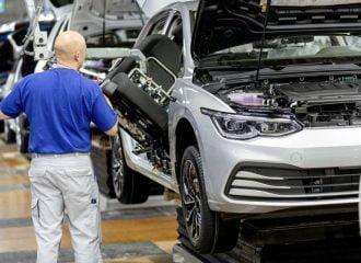 Πόσα παίρνουν οι εργαζόμενοι της VW;